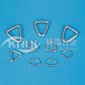 Stainless steel rigging--The triangle surrounds the D link series